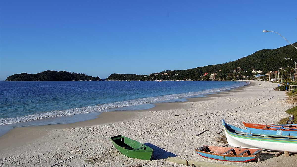 ¿Cuándo es más barato visitar las mejores playas del mundo?