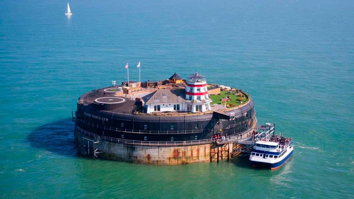 No Man's Fort es una fortaleza británica reconvertida en hotel.