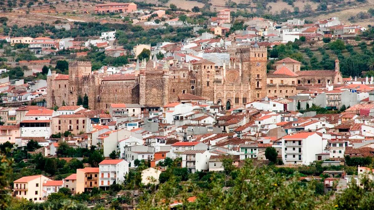 Cáceres sigue dominando en el galardón, esta vez con la localidad de Guadalupe