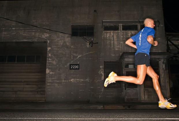 correrde noche