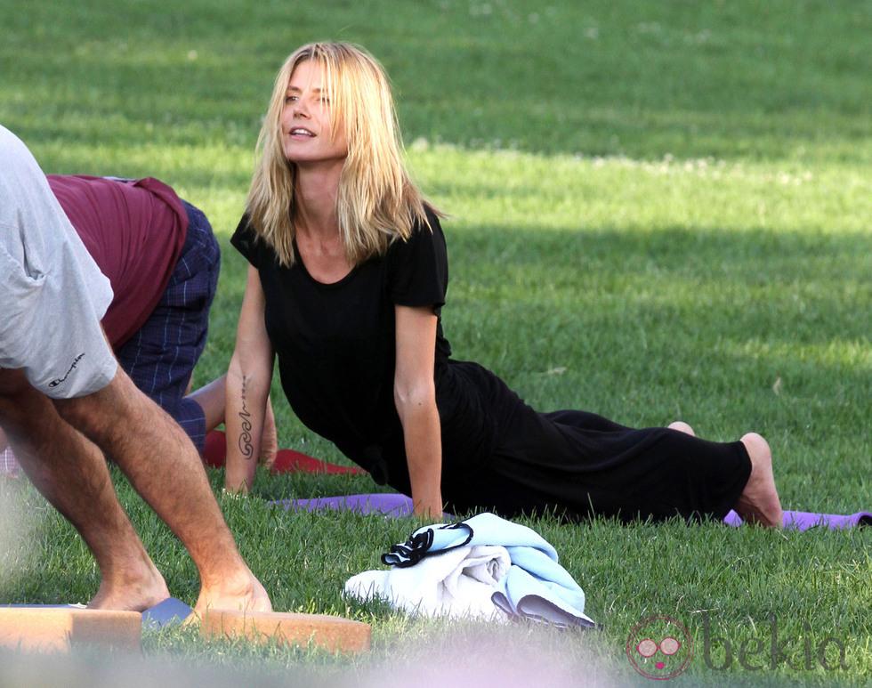 Famosas que se ponen en forma con el yoga