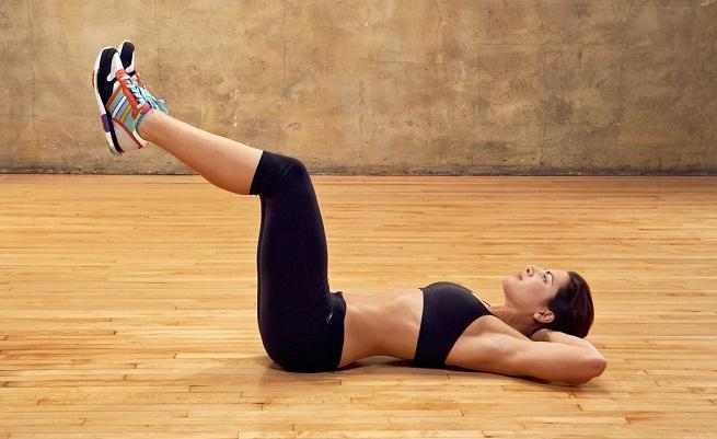 Hacer abdominales para lograr un vientre plano