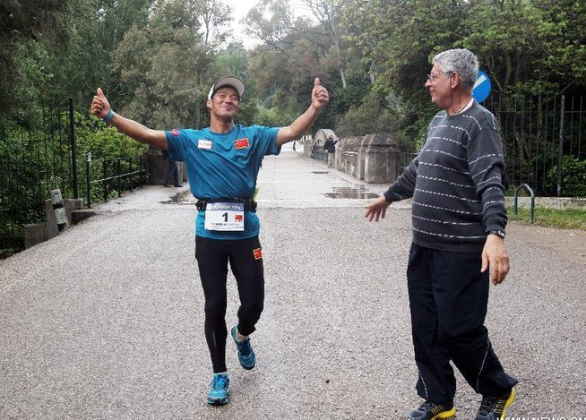 Los 100 maratones seguidos del chino Chen Penbin