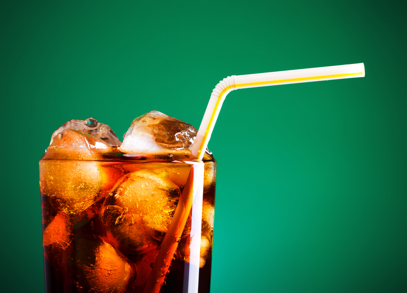 Beber Coca-Cola