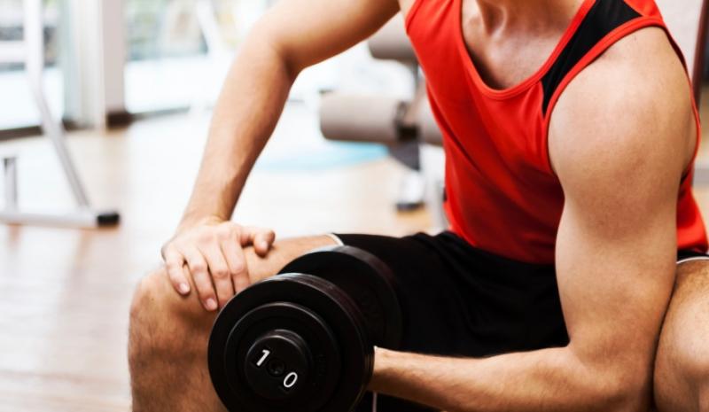 Por qué los corredores deben incluir las pesas en los entrenamientos