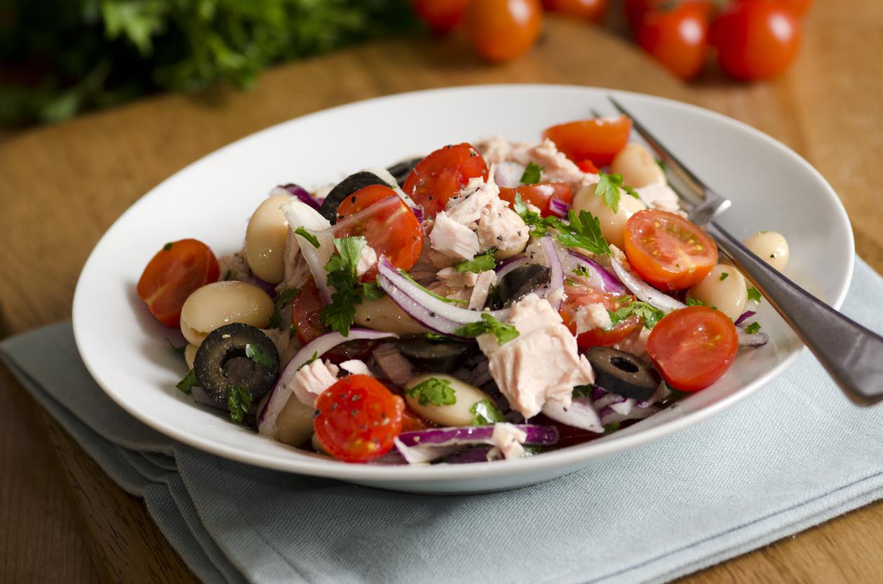Receta de ensalada de alubias con atún