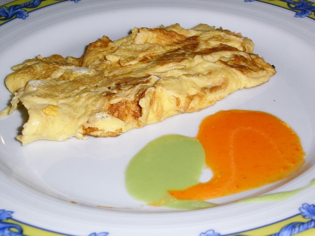 Desayuno: Tortilla de claras de huevo con yema