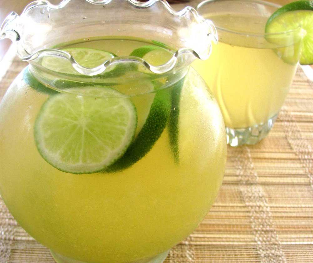 ¿Para qué sirve el agua con limón?