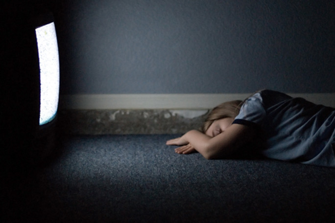 dormir-con-televisor-