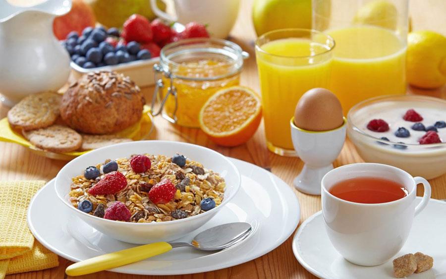 Mayor riesgo de enfermedad cardíaca entre los que no desayunan