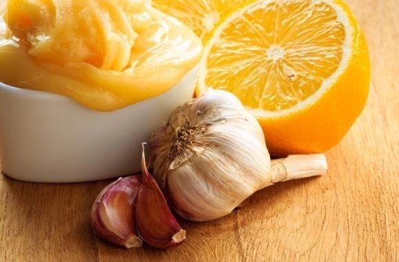 Ajo, limón y cebolla
