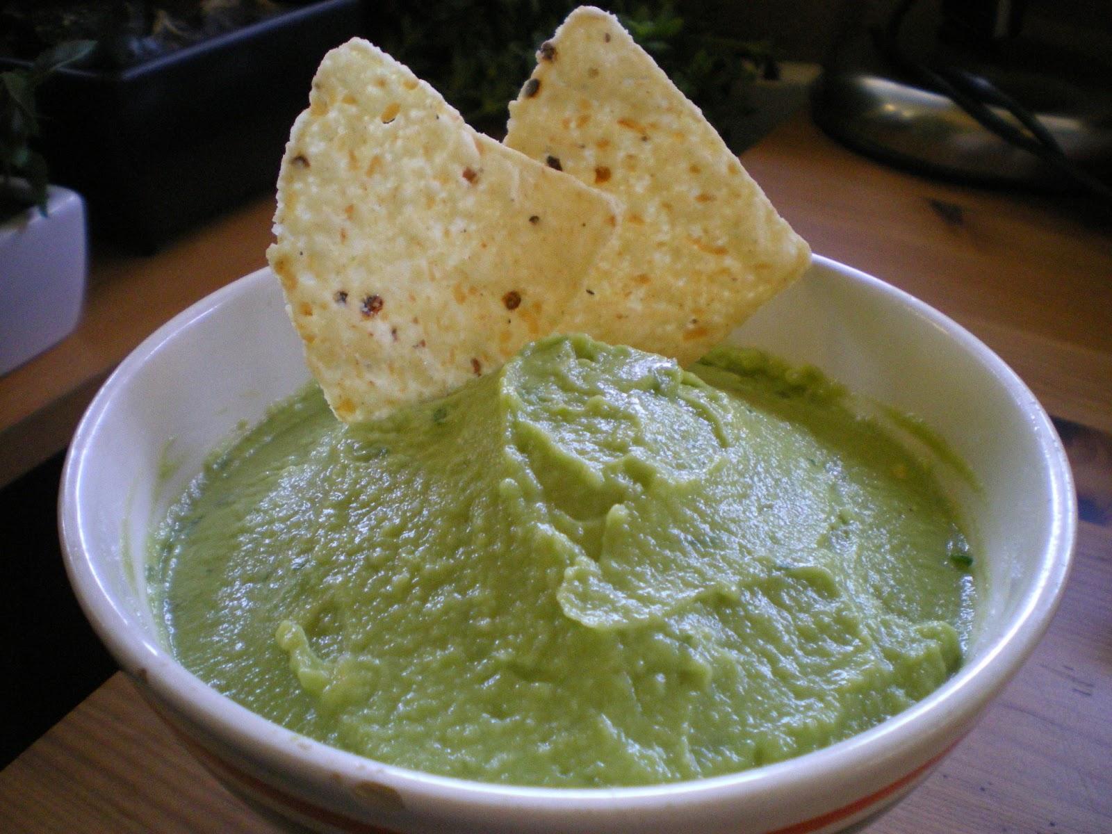 Cómo preparar guacamole e incorporarlo a los platos
