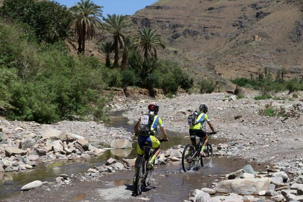 Prueba extrema de mountain bike con la Titan Tropic