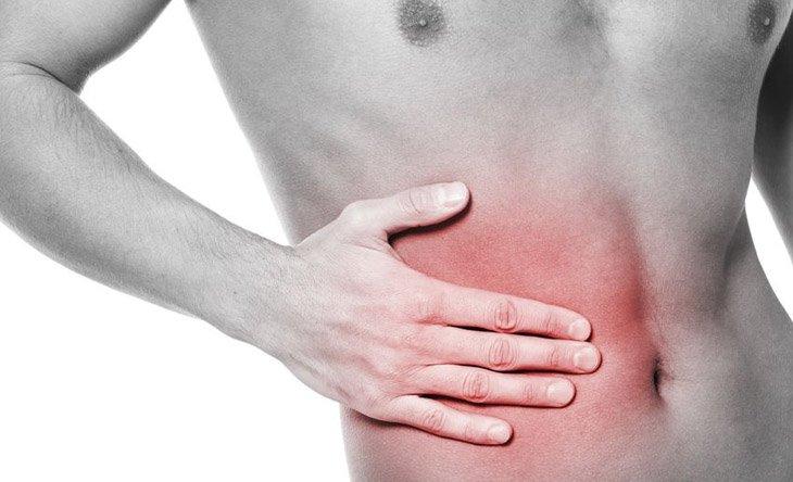 dolor bajo costilla derecha espalda