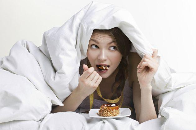 Cómo influye la falta de sueño en nuestra alimentación