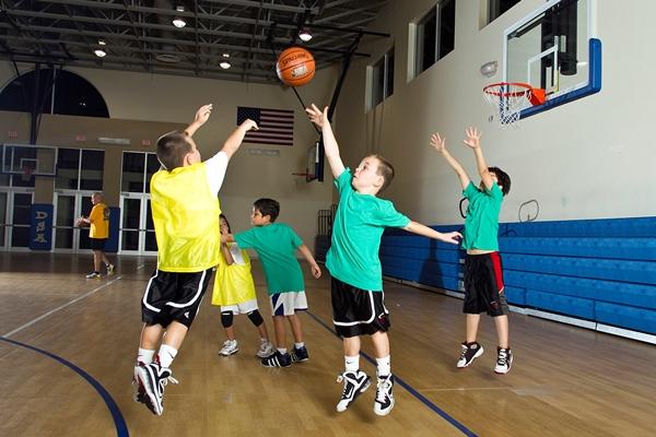 niños y basket