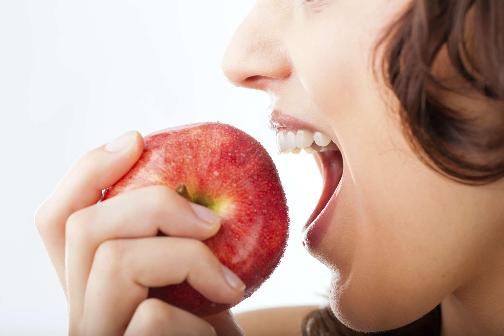 Principales propiedades de la manzana para bajar de peso