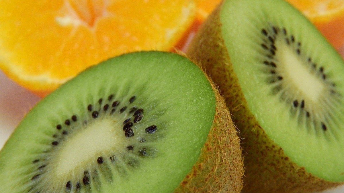 El kiwi es el rey de las frutas.