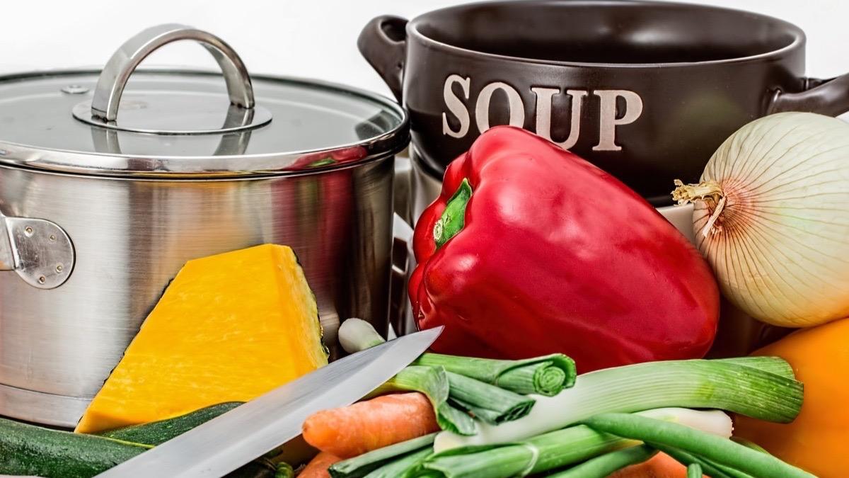 Dieta de la sopa: 7 días para perder peso y desintoxicar