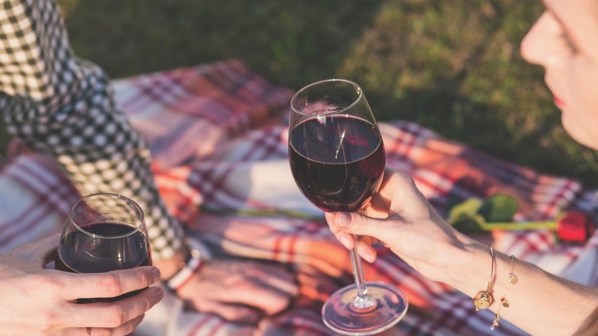Los taninos están presentes en el vino tinto