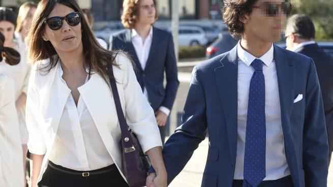 La presentadora Ivonne Reyes con su hijo Alejandro