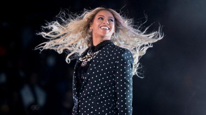 Beyoncé reina las redes sociales tras posar desnuda y anunciar su embarazo