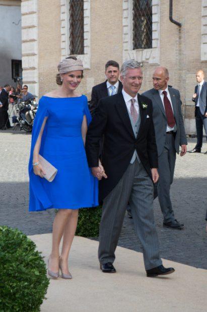Letizia y otras reinas con capa