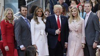 La familia Trump posa en abril de 2016 / Gtres