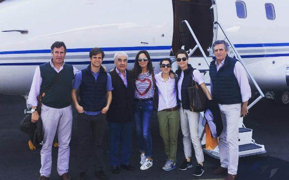 Felipe González, de viaje en el cumpleaños del polémico Gabriel Alarcón