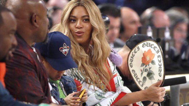Beyoncé arrasa con un kimono valorado en 21.000 euros