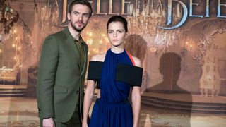 Emma Watson y Dan Stevens durante la première de 'La Bella y la Bestia' en París / Gtres