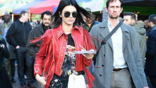 Kendall Jenner en el mercado Portobello Road de Londres. / Gtres