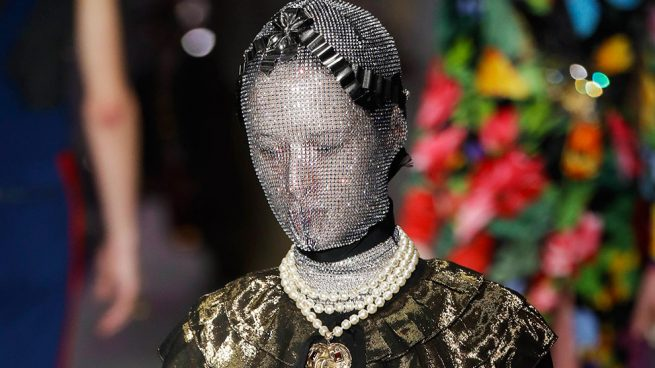 Modelo Gucci polémica desfile Milan Fashion Week