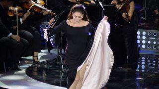 Isabel Pantoja durante el festival en Viña del Mar 2017