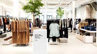 Zara es una de las firmas low cost con puntos de recogida de ropa usada / Zara