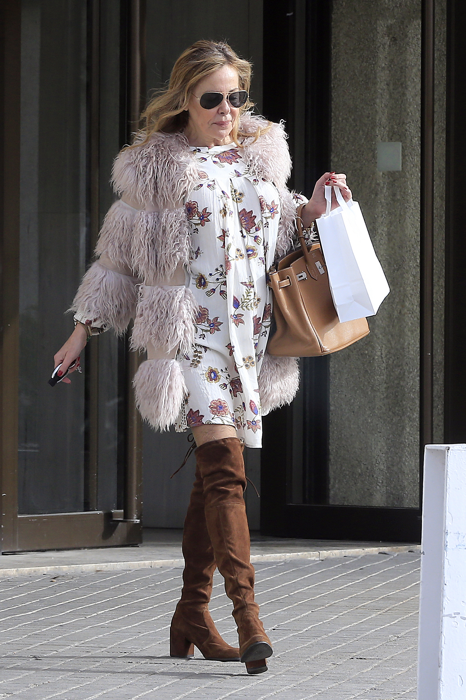 Ana Obregón sale de compras