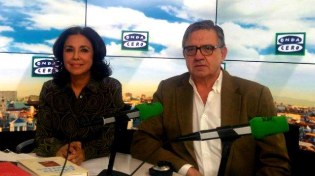 Isabel Gemio y Carlos García Revenga durante la entrevista.