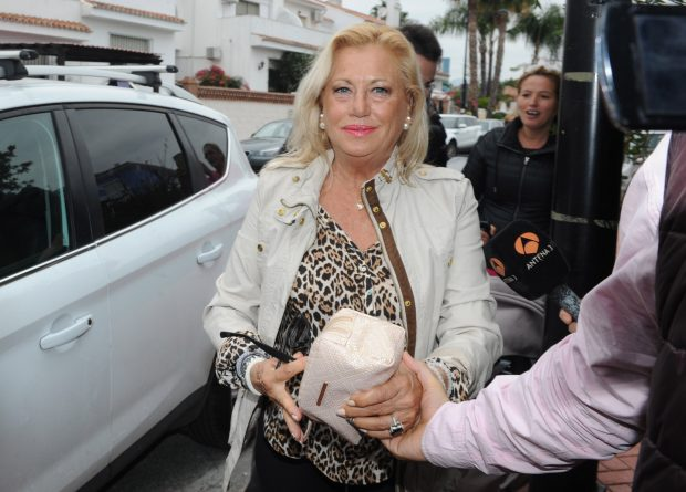 Maite Zaldívar por las calles Marbella (Gtres)