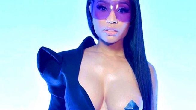 Pezón Nicki Minaj con top de Mugler / Instagram