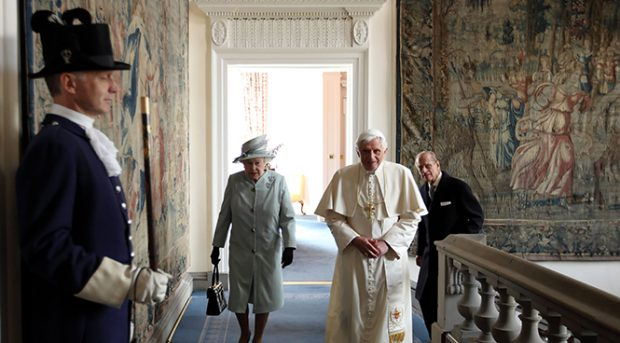 La reina Isabel II y el papa Benedicto XVI