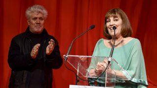 La actriz Carmen Maura y el director Pedro Almodóvar durante gala de los premios Fotogramas de Plata 2016 (Gtres)