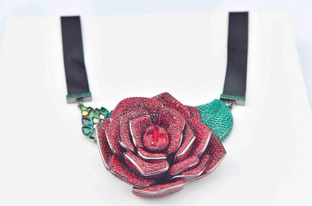 Swarovski crea una colección de joyas inspirada en 'La Bella y la Bestia'