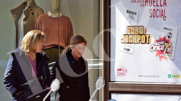 Ana Mato de compras (LOOK)