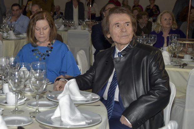 Raphael y Natalia Figeroa durante la comida