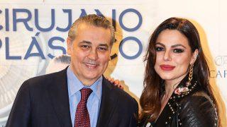 El Dr. Jorge Planas con Marisa Jara en la presentación de su libro / Gtres