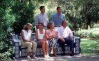 Juan Carlos y Sofía con sus tres hijos en 1996
