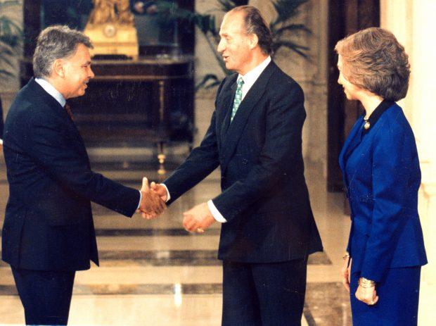 Rey Juan Carlos y Felipe González