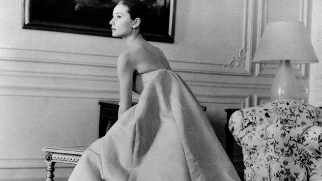 Clare Waight Keller es la nueva directora creativa de Givenchy