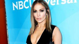 Jennifer Lopez no renuncia a un buen escote / Gtres
