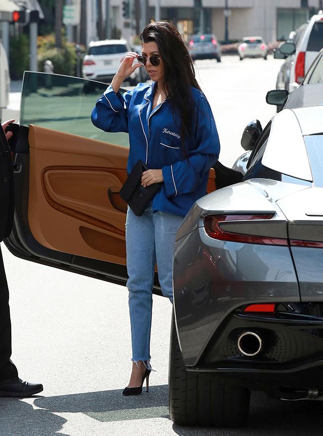 Kourtney Kardashian pijama